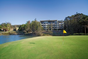 Wyndham Vacation Resorts Coffs Harbour is located on a 9-hole golf course